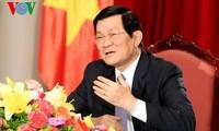 Staatspräsident Truong Tan Sang beim Interview mit dem russischen Fernsehsender