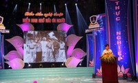 Die Feier des 125. Geburtstags des Präsidenten Ho Chi Minh in zahlreichen Provinzen