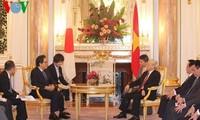 KPV-Generalsekretär Nguyen Phu Trong trifft den japanischen Kaiser Akihito