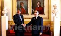 Der Vorsitzende der Vaterländischen Front Vietnams Nguyen Thien Nhan zu Gast in Norwegen
