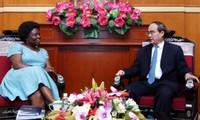 Vorsitzende der Vaterländischen Front Vietnams empfängt Vize-Präsidentin der Weltbank