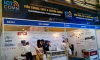 Ausstellung für Produkte und Dienstleitungen der Telekommunikation eröffnet