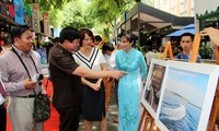"""Eröffnung der Presseausstellung """"Truong Sa -Wir kommen"""""""