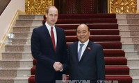 Premierminister Nguyen Xuan Phuc empfängt Herzog von Cambridge, Prinz William Arthur Philip Louis