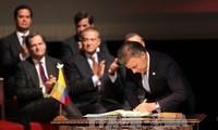 Die kolumbische Regierung und FARC unterzeichnen neuen Friedensvertrag