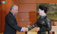 Parlamentspräsidentin Nguyen Thi Kim Ngan empfängt Vertreter von UNDP in Vietnam