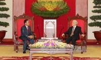 Der KPV-Generalsekretär empfängt die Delegation der laotischen revolutionären Volkspartei