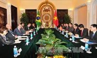 Tagung zwischen Außenminister von Vietnam und Brasilien
