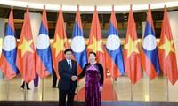 Staatspräsident Tran Dai Quang trifft den laotischen Premierminister Thongloun Sisoulith