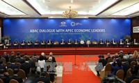 Dialog zwischen APEC-Spitzenpolitiker und dem Beratungsrat für Unternehmen