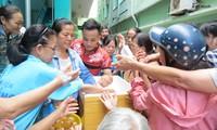 Karitative Portionen für Patienten in Krankenhäusern in Danang