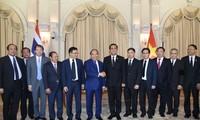Entretien entre Nguyen Xuan Phuc et Prayut Chan-ocha