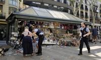 Attentats en Espagne : l'émotion dans le monde