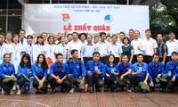 Les jeunes Hanoiens cultivent l'amitié et la solidarité spéciale Vietnam-Laos