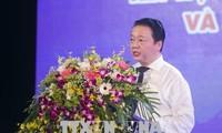 Les jeunes vietnamiens se mobilisent pour le développement durable et la défense des mers et îles