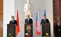 เปิดการประชุมสุดยอดจีน-สหภาพยุโรปครั้งที่ 14
