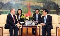 จีนและสหรัฐให้คำมั่นที่จะผลักดันความสัมพันธ์ทวิภาคี