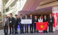 นักเรียนเวียดนามได้เหรียญทองในการแข่งขันฟิสิกส์โอลิมปิกเอเชียปี 2014