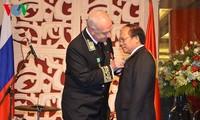 รัฐมนตรีวัฒนธรรม กีฬาและการท่องเที่ยวเวียดนามได้รับเหรียญอิสริยาภณ์มิตรภาพสหพันธรัฐรัสเซีย