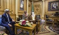 รัฐมนตรีต่างประเทศสหรัฐเดินทางถึงซาอุดิอาระเบียเพื่อหารือเกี่ยวกับปัญหาซีเรีย