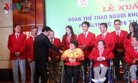 พิธีปล่อยแถวขบวนคณะนักกีฬาคนพิการเวียดนามที่เข้าร่วมการแข่งขันกีฬาพาราลิมปิก