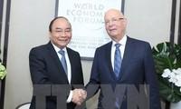 นายกรัฐมนตรีเหงวียนซวนฟุกให้การต้อนรับผู้บริหารสถาบันการเงินและบริษัทใหญ่ระดับโลก