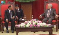 กระชับความสัมพันธ์มิตรภาพและความร่วมมือระหว่างเวียดนาม ลาวและกัมพูชา