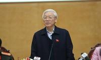 เลขาธิการใหญ่พรรคลงพื้นที่พบปะกับผู้มีสิทธิ์เลือกตั้งกรุงฮานอย