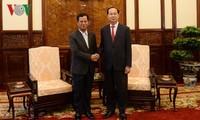 ประธานประเทศเจิ่นด่ายกวางให้การต้อนรับรัฐมนตรีช่วยว่าการกระทรวงรักษาความมั่นคงทั่วไปลาว