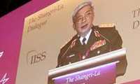 Deputy Defense Minister Nguyen Chi Vinh makes speech at the 12th Asia Security Summit