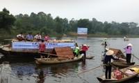 Southern delta's floating market in Hanoi