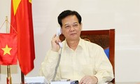 Vietnamese, Malaysian Prime Ministers talk on phone over missing plane