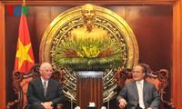 NA chairman welcomes US senators