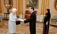 UK Queen supports cooperation with Vietnam