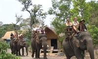Tour of villages in Dak Lak
