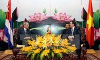 Cuba's Party delegation visits Vietnam