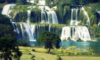 4th negotiation on protecting and exploiting tourism resources in Ban Gioc waterfall
