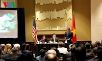 President Truong Tan Sang meets overseas Vietnamese in the US