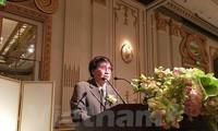 Vietnamese writer receives ASEAN literature award