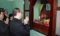 VFF President pays tribute to President Ho Chi Minh