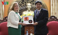 Vietnam, Ireland enhance communications cooperation