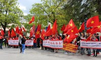Vietnamese in Germany march to oppose China's acts in East Sea