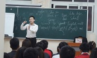 Nguyen Van Tiep and his free English class for students