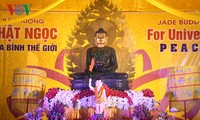 """Jade Buddha for Peace"" statue welcomed in Quang Ninh"