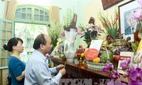 Prime Minister Nguyen Xuan Phuc commemorates Party General Secretary Le Duan