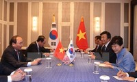 Prime Minister Nguyen Xuan Phuc' bilateral meetings on ASEM sidelines