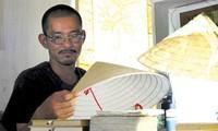 Painter Phan Hai Bang: creating Truc Chi, a new art material