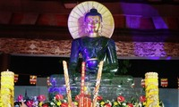 Jade Buddha statue welcomed in Thai Nguyen