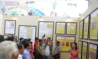 Exhibition on Vietnam's Hoang Sa, Truong Sa archipelagos in Nghe An province