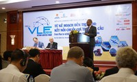 Vietnam develops sea and air logistics service